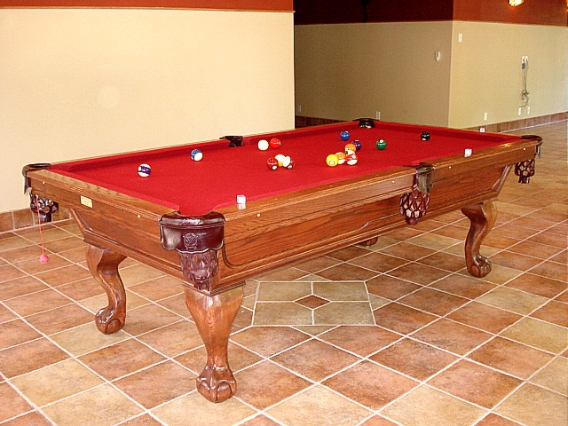 Solid Oak Crunch Pool Table With Red Mahogany Finish
